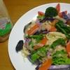 ドレッシングを野菜たっぷりパスタのソースとして使う