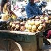 インド、バンガロール!5月の旬な果物☆ライチとヌングー??
