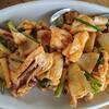 タイで食べた塩卵で味付けした炒め物 タレー パット カイケーム  ทะเลผัด ไข่เค็ม Thale phad khai khem