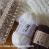 【セリア】マフラーニットメーカー、毛糸によって仕上がり方はどう違う?