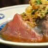 豊洲の「米花」でいさき塩焼き、かつおポン酢、ほたて・エビ・イカとセロリ、アスパラの炒めもの。