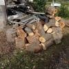 朝から機械での薪割り 第2便です Making fire-woods by a wood-splitting machine from the morning