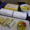 那覇空港ANAラウンジも混んでいた!!そしてプレミアムクラスの軽食を堪能~ ANA(SFC)修行2019 3-4