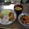 幸運な病のレシピ( 957 )朝:カブとキャベツの味噌汁、豚バラ紫蘇ポン酢炒め、目玉焼き、鮭、レストランポイポイ