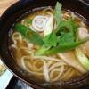 石川県小松市有明町にあるうどんと蕎麦がメインのお店、ほたやShokudo(旧・保田家つるつる庵)で鴨南蛮うどん。