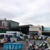 東京・築地ならでは。魚に合う?花。