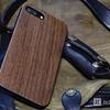 天然木が心地よい「YFWOOD iPhone7plusケース」はエイジングも楽しそう
