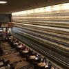 【建築】ホテルのロビーには芸術的な壁を『ホテルの陶壁とガラスの壁』