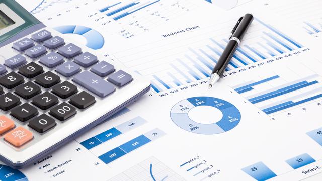 予算管理のために家計簿をつけよう!家計改善のコツについても解説