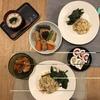 しらす炒飯、ほうれん草いため、豆腐などの煮しめ、かまぼこ、キムチ