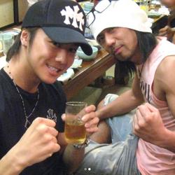 EXILE・TAKAHIRO、HIROの誕生日を祝福!懐かしのお宝ツーショット公開し、胸中明かす