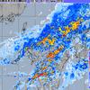 激しい雨が東に広がる……
