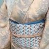 【着物コーディネート帖】霞がかったような草花模様の小紋着物にチューリップ柄の帯で、吊るし雛を見に行きました。