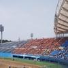 春の陽気の中 こまちスタジアムの芝が心地よい 明桜-秋商 春の地区大会を観戦