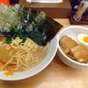 「ラーメン大桜」でラーメンとざく丼を食べる。豚骨強めの濃厚スープと角煮丼は普通に旨いけど…。他店と比べイレギュラー要素が多めの家系ラーメン屋だとは思います!。
