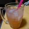 【今日の食卓】帰宅直後に食前酒。名前の無いカクテル。氷、焼酎(orジン等)、梅酒、グレープフルーツジュース、かぼす果汁、炭酸水をミックス。汗が引いて生き返る!(^-^; ちなみに猛暑が続くとコンビニでグレープフルーツジュースが売り切れる傾向にある。少しは市場調査してよねって。夏は酸味だ三位一体。 Just nameless cocktail with spirits, grapefruit juice, umeshu, kabosu juice, soda, etc. Refleshed. #かぼす #カ