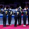 世界フィギュア国別対抗戦2021 日本選手のTwitterに映っている昌磨君とステファンコーチ