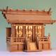 持ち上げた瞬間に重みを感じる 欅の神棚の魅力 ケヤキ