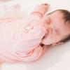 赤ちゃんが朝まで眠る習慣がついた後に、夜中に起きて泣くようになったら
