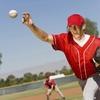 野球における投球時の外反ストレスの影響と肘関節の伸展速度(腕の振り遅れと大きな肘関節の伸展が重なると、慣性モーメントが増大、肘関節の外反ストレスが増大する)