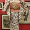 白色地洋花絹紅梅小紋×サーモンピンク蝶々柄夏袋帯
