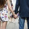 恋人に困っていない人は、空振りを恐れず、片っ端から女性をデートに誘っている。