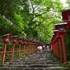 参道沿いの朱色の灯籠が有名な貴船神社 あなたの好きな季節の風景は? (Kyoto, kifunejinja)