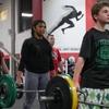 青少年のための筋力トレーニングの漸進(ひとつの主要なパラメータは、エクササイズを遂行する際の加速と遂行速度になる)
