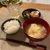 ごはん、肉豆腐炒め、鰹ときゅうり、大根と卵のスープ