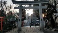 〔西郷どん〕東京・愛宕神社の階段の先で勝海舟と西郷隆盛は江戸城無血開城に向け会談した