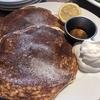 【RHCカフェ】レモンを絞って食べるグルテンフリーのバターミルクパンケーキ