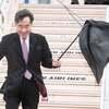 バ韓国首相、羽田空港で神風に吹かれ、入国を嫌われる