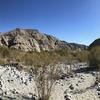 砂漠の中の白い川 | カリフォルニアのトレッキング