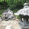 諏訪大社に行く人必見!岡本太郎も絶賛した不思議な石仏「万治の石仏」の話