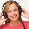 ヘッドホンやイヤホンの思わぬ3つの危険性-音楽を安全に楽しむために気をつけること