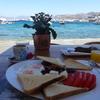 ミコノスで朝食を♪