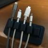 地味だが地味だからこそ便利。#Anker Magnetic Cable Holder レビュー