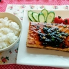 今日のごはん:5月8日のみはるごはんレシピ(エラバ「プチっとごはんズ」博多とんこつ味、相模屋の豆腐ステーキ)