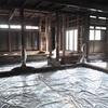 基礎工事編:土の鋤取りと防湿シートの敷き込みが完了しました