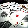 夜な夜な開催される、ギャンブルイベントが3人を金欠にさせる!