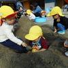 ☆はいはいぐみ(0歳児)・よちよちぐみ(1歳児)のお友だちと砂場☆
