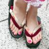 爪が汚いと夏のサンダルも履けない!意外とみられる足元にご注意!