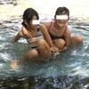 自然公園で水遊び