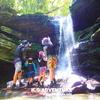 ジャングル探検で秘境の滝へ!