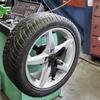 タイヤが高いディーラーの内部事情。間違いなくネットでタイヤを買う時代です