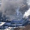 倉庫火災、鎮火に至らず…4万種類が出荷困難に