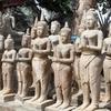 Prasat Pagoda (石像がたくさんある仏教寺院)です。(後編)