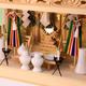 しめ縄付きのガラス箱宮三社に神具一式を入れてたときの祭り例