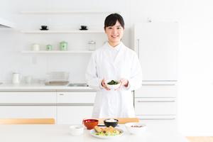 葉酸は高齢者がとりたい栄養素!貧血や骨粗しょう症予防に