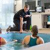 膝関節置換術後の水中レジスタンストレーニングと高強度機能的リハビリテーション(膝関節のスティフネスが減少し、膝伸筋と屈筋のパワーがそれぞれ32%、48%増加する)